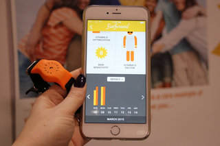 sunfriend wearable wants to help you enjoy the sun without burning image 3