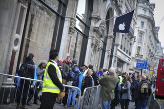 Apple Watch: You won't be able to buy in Apple store on day one