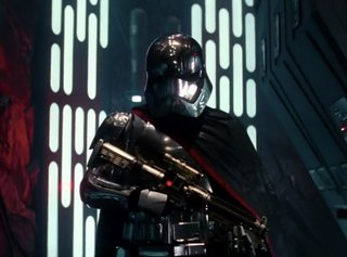 10 questions raised in the new star wars the force awakens trailer image 5