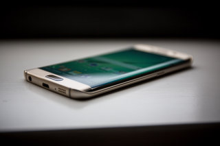 This is the most popular Samsung Galaxy S6 edge you will struggle to buy