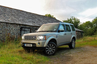 6 reasons why the Land Rover Discovery is the ultimate road trip car