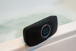 monster superstar backfloat bluetooth speaker review image 4