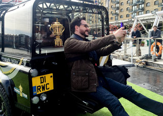 land rover creates unique defender to show off rugby s webb ellis cup image 7