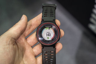 hands on garmin forerunner 225 review heart rate from your wrist finally  image 2