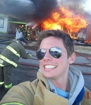 The Worst Selfies Of All Time image 25