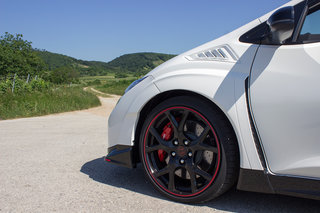 honda civic type r 2015 first drive a track car for the road image 45