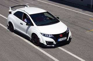 honda civic type r 2015 first drive a track car for the road image 7