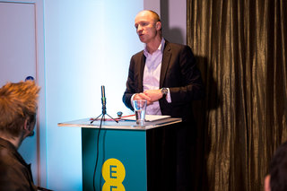 ee launches own 4g connected 4gee action cam to share live footage over network image 2
