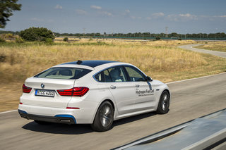 bmw 5 series gt hydrogen fuel cell first drive driving into the future image 3