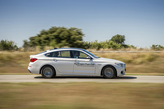 bmw 5 series gt hydrogen fuel cell first drive driving into the future image 6