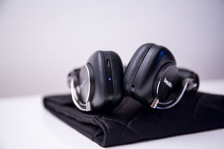 bowers wilkins p5 wireless headphones review image 6