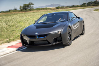 Pow! Is that the BMW Batmobile? Nope, it's a modded i8 concept with hydrogen fuel cell tech
