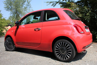 new fiat 500 first drive cute charming and colourful image 5