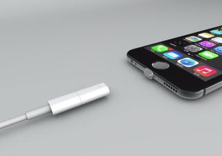 Znaps is a new adapter that makes your phone's plug-in port magnetic