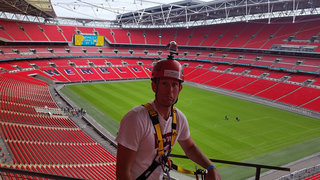 Pocket-lint Extreme: Ziplining across Wembley Stadium