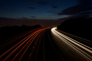 England roads to wirelessly charge cars as they drive