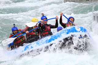 Pocket-lint Extreme: White water rafting at Lee Valley White Water Centre