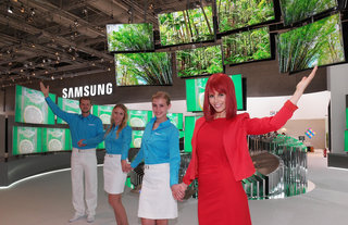 Samsung 4K Ultra HD Blu-ray player and new curved SUHD TVs with HDR debut at IFA 2015