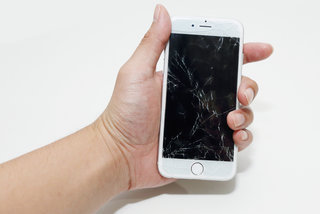 To insure or not to insure? The daftest ways of busting your smartphone