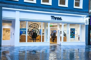 Three switches on VoLTE, dubs it 4G Super Voice