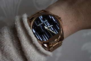 tech meets fashion 6 of the most stylish smartwatches image 4