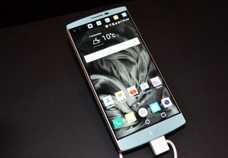 LG V10: A top-tier phone that doubles up on screens and selfie cameras (hands-on)