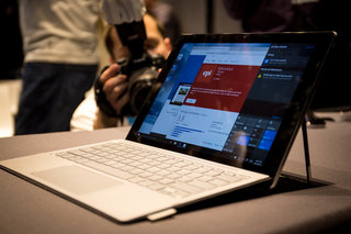 HP Spectre x2 hands-on: A 2-in-1 that gives the Surface Pro 4 a run for its money