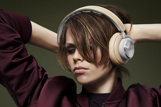 Bang & Olufsen BeoPlay H7 wireless headphones cut the wires but not the class