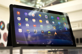 Samsung Galaxy View: 18.4-inch monster tries to bridge the gap between tablet and TV