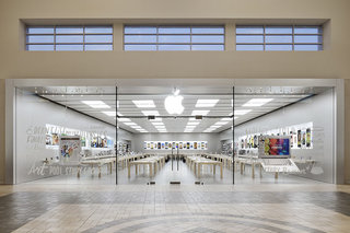 Apple Store Pickup launches in UK just in time for Christmas -