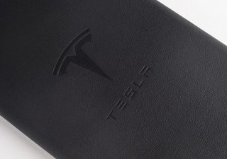 tesla now sells iphone 6 6s cases and wallets made from its seat leather image 3
