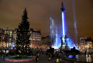 Nelson's Column turns into a giant lightsaber and other crazy pictures from the Star Wars: The Force Awakens London premiere