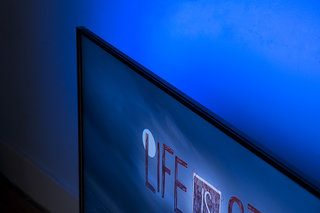 philips pus8601 4k tv with 4 sided ambilight review image 3
