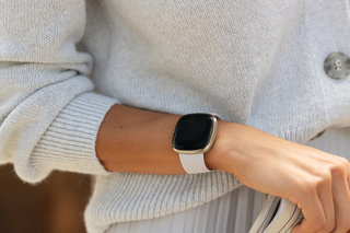 Best Fitbit Fitness Tracker 2021 Which Fitbit Is Ideal