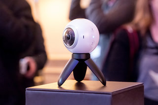 Samsung Gear 360 camera preview: Gear VR-friendly virtual reality video recorder