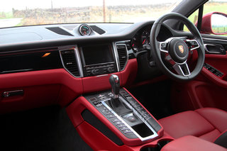 porsche macan turbo review image 11
