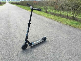 Emicro One scooter review: Keeping up with the kids?