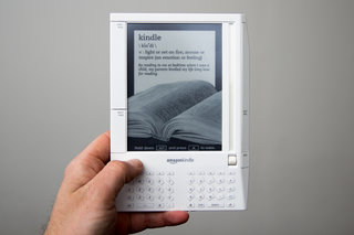 amazon kindle a brief 10 year history from the original kindle to the new kindle oasis image 2