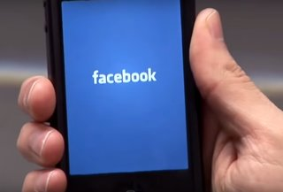 Facebook is killing it: 1.5 billion monthly active users log on from mobile devices