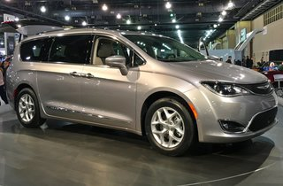It's official: Google and Fiat Chrysler ink deal to make self-driving minivans