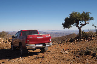toyota hilux 2016 review image 3