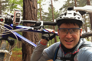 Pocket-lint Adventures: Single track riding with the TomTom Bandit