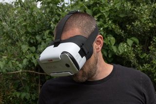 oneplus loop vr headset preview image 15