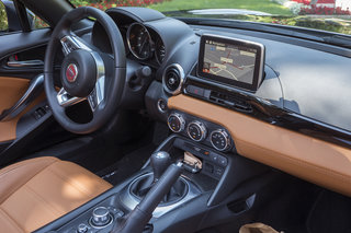 fiat 124 spider review image 15