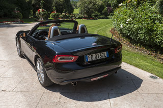 fiat 124 spider review image 5