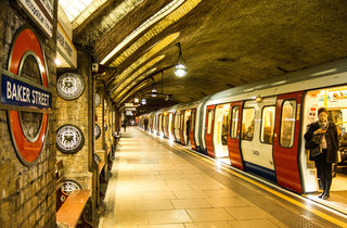 Twitter and TfL combine to alert you about Tube and train delays