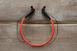 vervelife by motorola ones loop or rider headphones have all your sports covered image 4