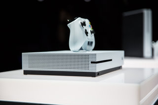 Confirmed: The Xbox One S is a 4K Ultra HD Blu-ray player and upscales games too