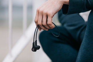 Bang & Olufsen Beoplay H5 earphones show that wireless and class can go together