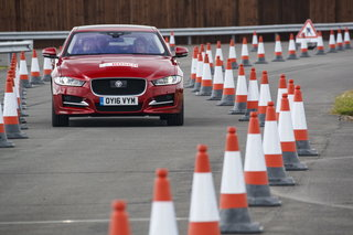 jaguar demos new technology to assist future drivers image 5